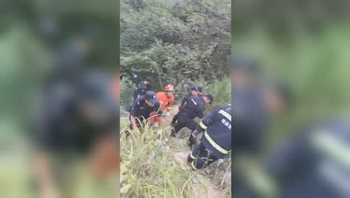 3死11伤!桂林一载14人客车翻下50米深山崖 现场惨烈