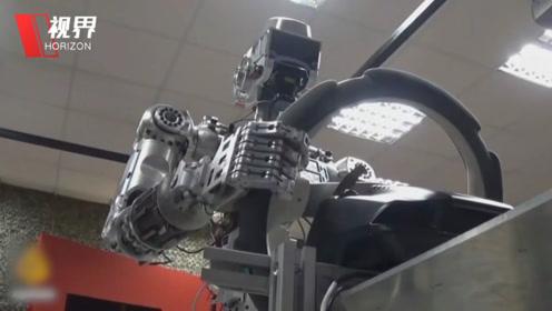 俄罗斯机器人Fedor太逆天了 即将飞向太空