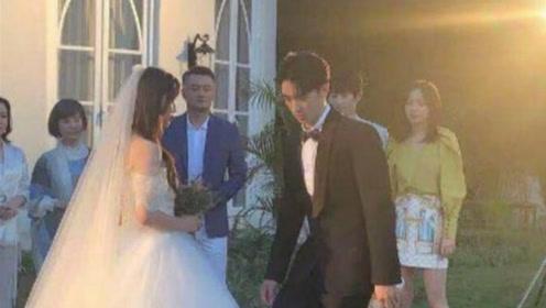 杨超越许魏洲结婚路透照流出 场面十分浪漫似童话