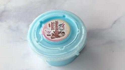 小小的一盒淡蓝起泡胶,史莱姆解压
