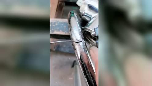 打火机居然可以轻松焊水管!这肯定不是普通的打火机