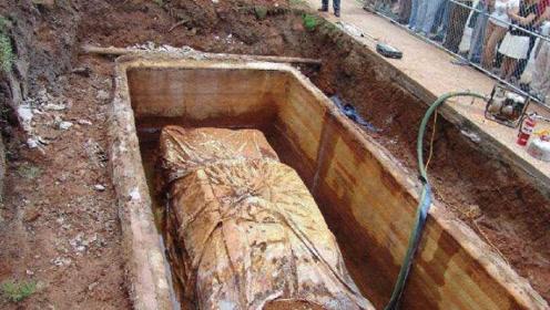 修路意外挖到陵墓,里面埋葬的竟不是人?专家们看到不淡定!