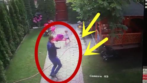 惊险!女孩突然被恶狗袭击,爸爸神反应救女儿一命!