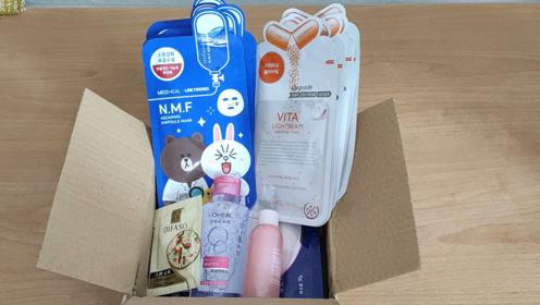 瓶子的VLOG,90块钱在网上买了一箱护肤品,看看都买了什么