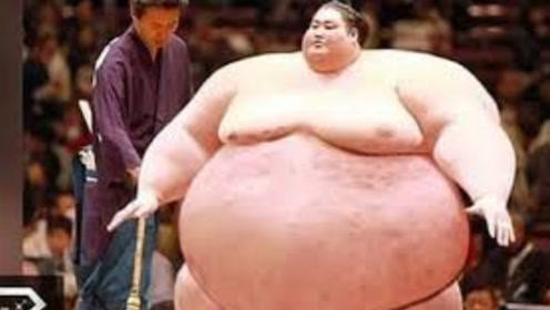 全世界最重运动员,重达830斤破世界纪录,妻子:每晚都顶不住