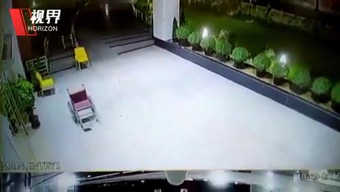 印度医院灵异事件轮椅自己推走 监控全程拍下员工吓到不敢上夜班