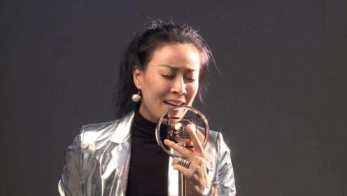 被那英踢的女孩是她粉丝,事后哭很久,一气之下撕了演唱会门票