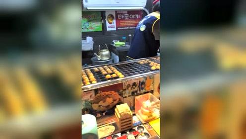 中国姑娘远嫁韩国的生活,今天吃点路边摊,看起来很好吃的样子!