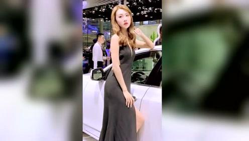 你们去车展是看车还是看美女呢?