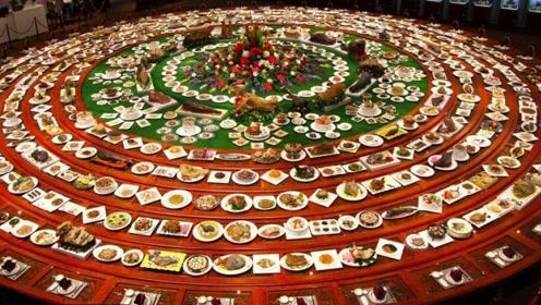 """新疆这一桌""""宴席""""让游客大饱眼福,游客:平生第一次见"""