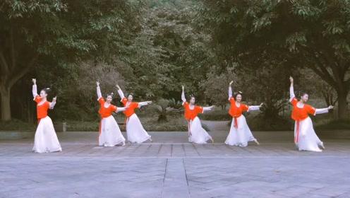 超美的一曲古风《牵丝线》,舞者们用别样的舞姿演绎