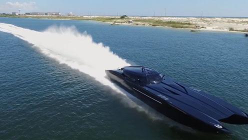 全球最豪华的跑车,时速高达300公里,水中飞驰的瞬间让人惊艳