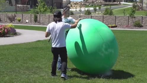 气球和液氮会怎样相处呢,面冷心热的液氮展现独特魅力,厉害