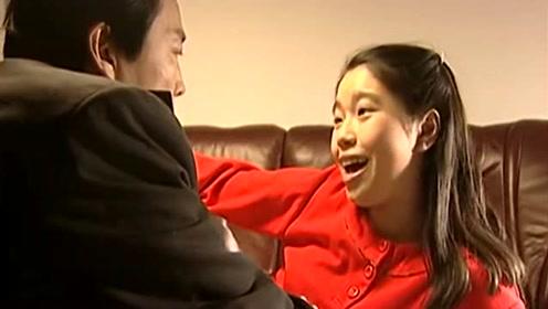 女儿忽然被知名中学录取,男子瞬间懵了,原来是有人在背后做手脚