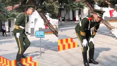 山东武警战士连续站岗4小时纹丝不动 下哨时画面感动网友