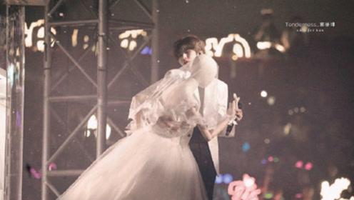 蔡徐坤和穿着婚纱的假人模特跳舞,有种别样的浪漫