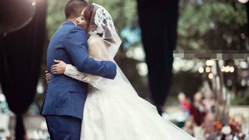 《二十二》导演郭柯婚纱照曝光 与妻子甜蜜相拥恩爱十足