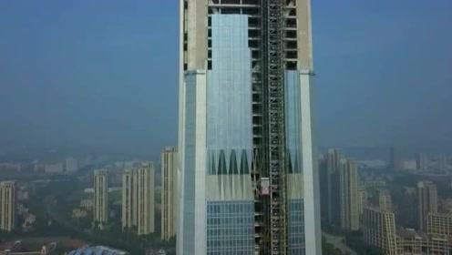 这座大厦建设了10年还没完工,被吐槽最烂工程天津117大厦