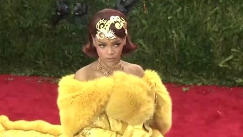 """女星举办最""""丑""""内衣秀获赞:真正的审美,从来没有标准"""