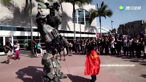 """机器人上来就问""""可以毁灭你么""""看小女孩如何应对"""