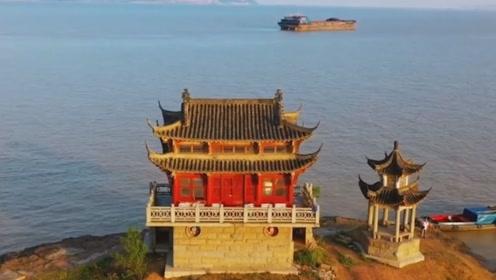 探秘中国最神奇的寺庙,一年只能见一次,经常泡水里却不毁坏