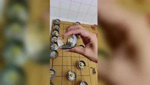 最美不过中国象棋,这要是摆在桌面上,一局就能回到解放前