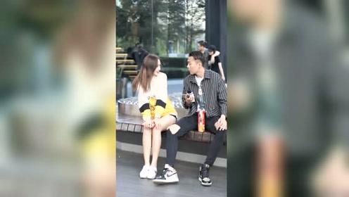 据说如果你深深地看着对方十秒钟,你就能知道对方是否喜欢你,结果明显吗