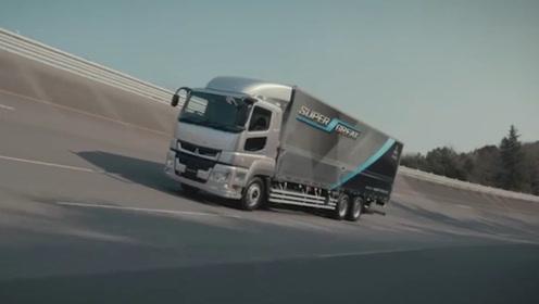 老外制造世界上最大的货车,能装载30吨东西,年薪百万无人敢开