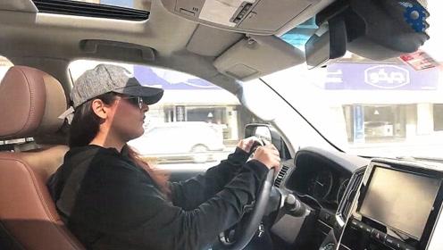 女司机试驾2020款丰田兰德酷路泽,打开后备箱才是霸气的开始!