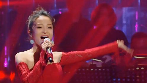 张韶涵现场演唱《追梦人》,人美歌甜,听一遍根本听不够