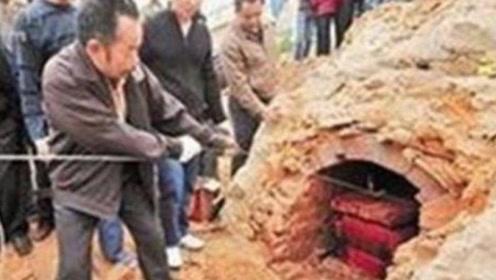 湖南挖出千年巨棺,不料专家一打开,古墓主人竟全身开始不断颤抖