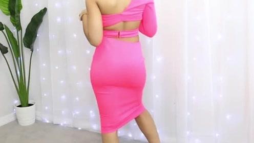 姑娘穿着打扮:粉色单肩T恤和包臀裙套装