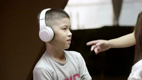 面对自闭症孩子 父母必须狠下心来比对普通孩子更严厉