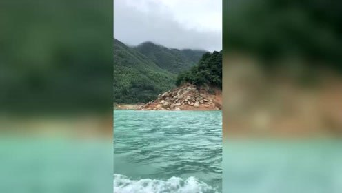 东江湖上的激流,怕不怕掉进水里!