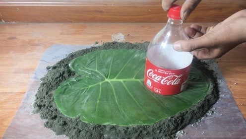小伙用水泥做出的工艺品,用他的方法,做出来跟真的一模一样!