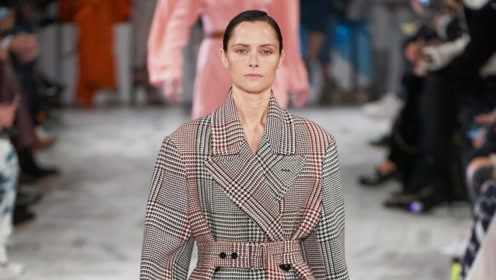 2019秋冬时装周上最受欢迎的外套款式