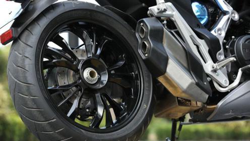 国产添首款单摇臂双缸街车!389CC双缸水冷发动机,ABS+双盘碟刹