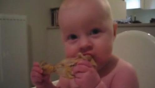 刚长牙的小胖娃,捧着大鸡腿吧唧吧唧的大口开吃,这吃相太可爱了