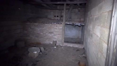 半夜探险废弃房子,小伙子的表现真让人哭笑不得