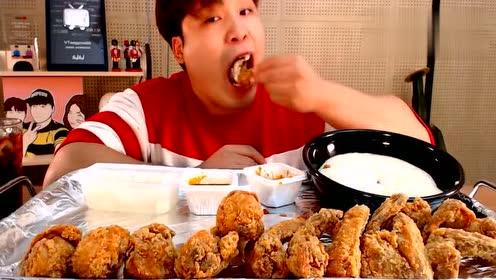 ddeonggae小哥哥吃播炸鸡腿啦,果然是食肉爱好者啊