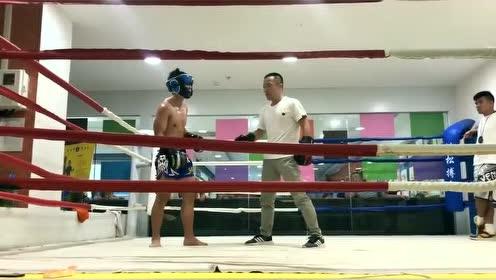 搏击也是很考验运动员的,节奏非常重要!
