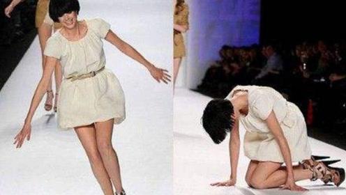 美女模特正在走秀,突然感觉不对劲,镜头拍下尴尬的画面
