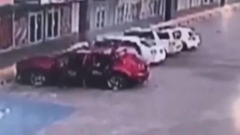 墨西哥警员车内被射155枪身亡 曾参与抓捕当地大毒枭之子