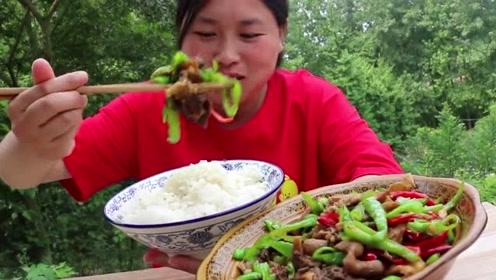 一斤辣椒一斤肉,胖妹解锁下饭菜,一碟吃完米饭都空了!