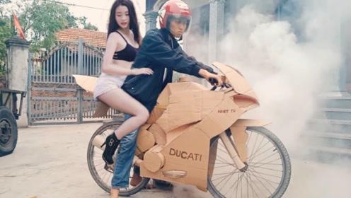 小伙用纸箱打造出一辆豪华摩托,一把油门下去,直接失控!