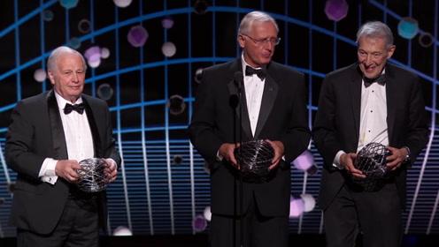 基础物理学特别突破奖:颁给发明超重力理论的三位老科学家