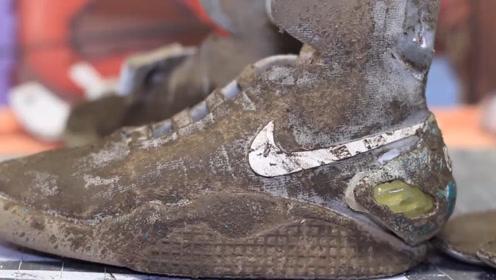 价值上万美元的耐克鞋,老外捡回后动手翻新,网友:这是啥运气