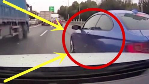 不打招呼就想加塞,视频车司机瞬间路怒,宁撞不让!