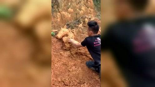 普通的泥巴到了手艺人的手中,接下来的操作真厉害!