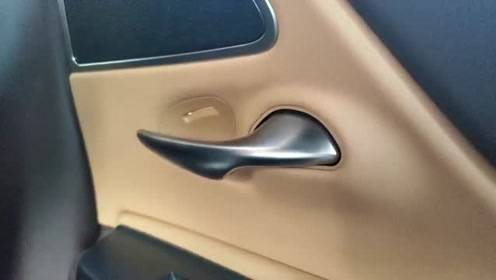 抢鲜看:雷克萨斯ES300H门把手,独立设计,电镀哑光非常精致